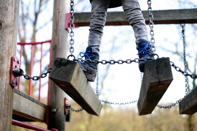 playground-4070486_1280